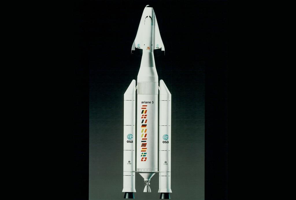 Hermes coiffant la fusée Ariane 5